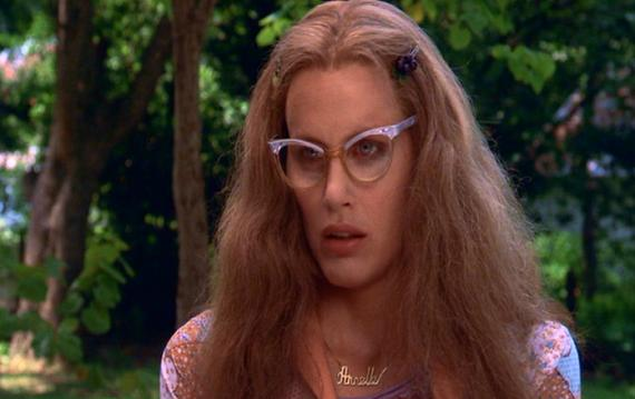 http://mykindofcountry.files.wordpress.com/2009/05/darylhannah-steelmagnolias1.jpg