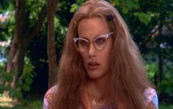 Daryl Hannah as Annelle