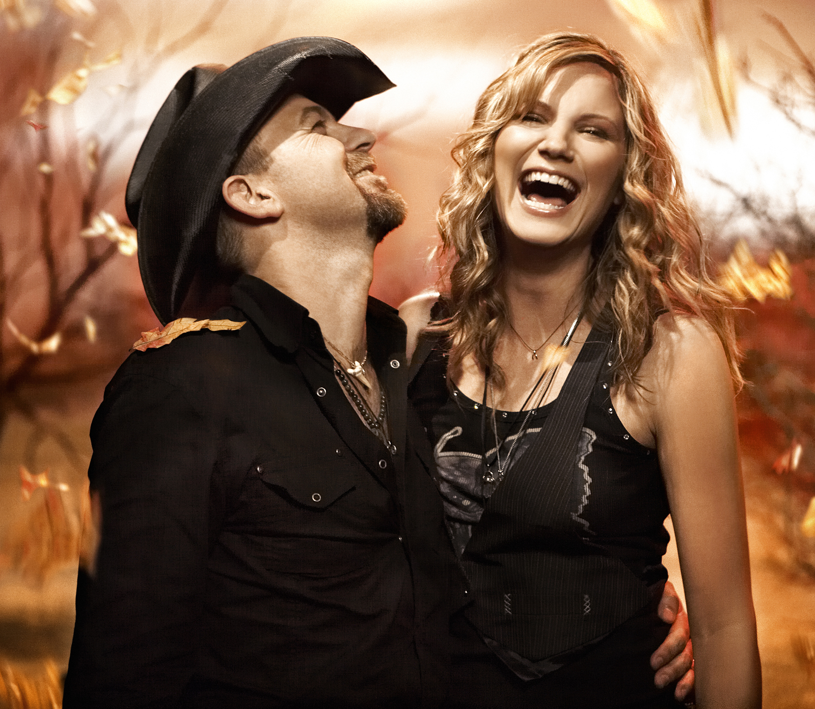 why did kristen hall leave sugarland